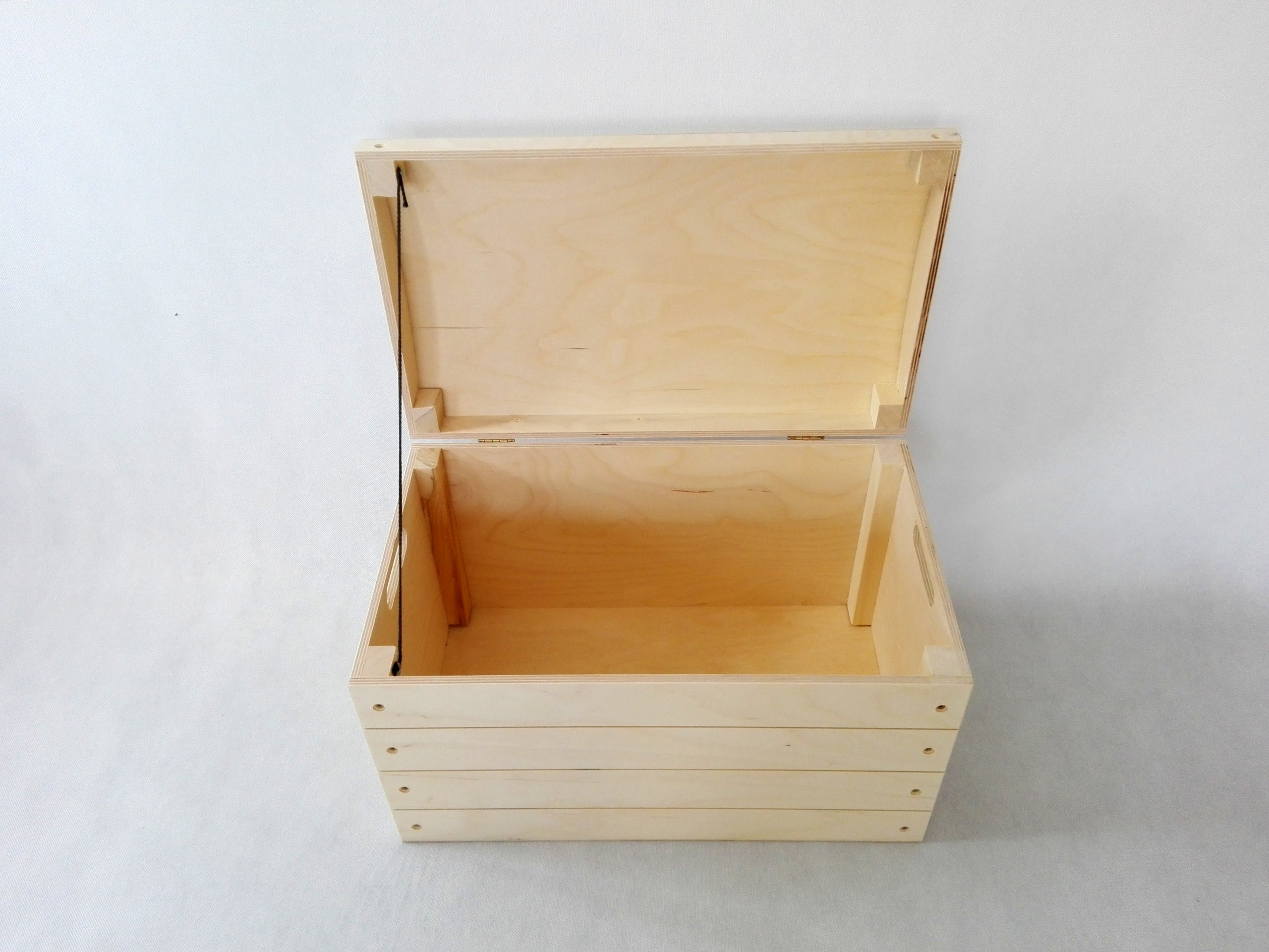 Wooden trunk for toys